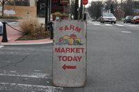 Market_sign_with_arrow